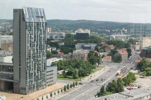 Skolose skęstantis Vilnius rado, iš ko atimti