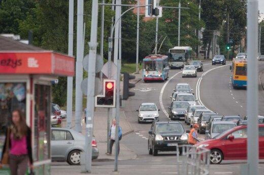 Viešasis Vilniaus transportas: prirūkyti troleibusai ir chaotiškas kontrolierių darbas