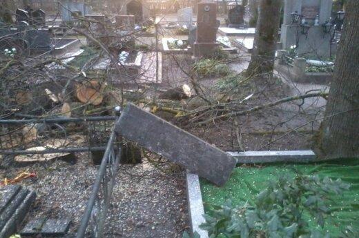 Kūčių žvakutę kapinėse uždegti norėjusi moteris nustėro