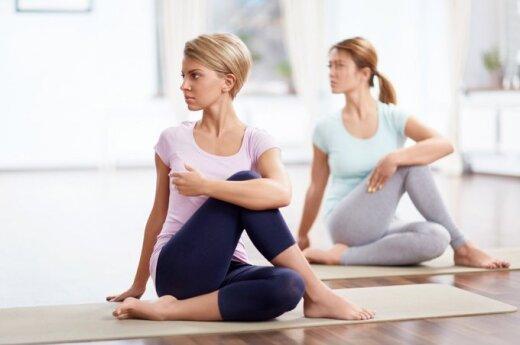 Как йога поможет бороться с бессонницей