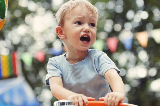 Išdykusį vaiką pasiūlė drausminti zoologijos sodo narve