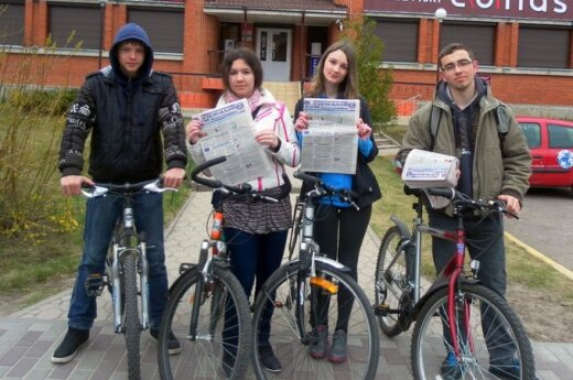 Visagino mokiniai ragina sėsti ant dviračių