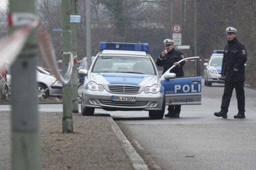 В Германии 10 полицейских получили травмы в стычке из-за неправильной парковки