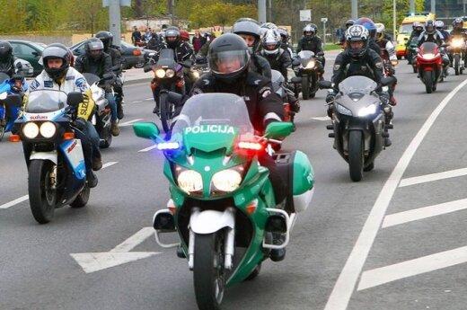 """Arkangelas Rapolas """"sukvies"""" motociklininkus į žygį"""