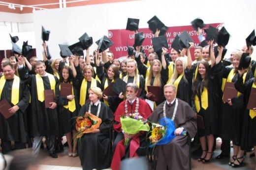 Wręczenie dyplomów na Filii UwB w Wilnie 2013