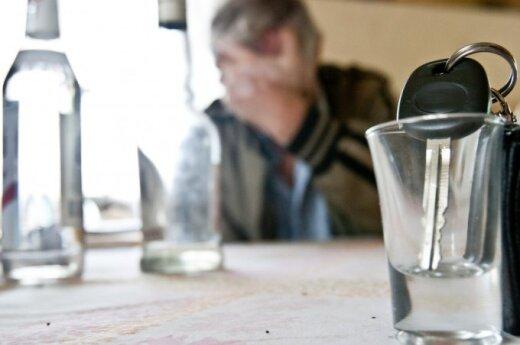http://gs.delfi.lt/images/pix/520x345/viItMKIsvCg/alkoholizmas-66831414.jpg