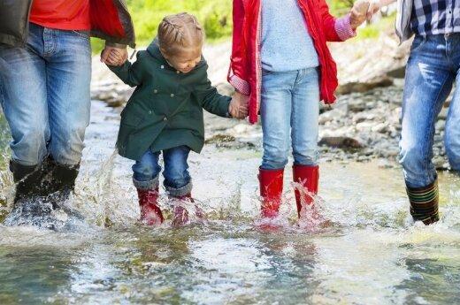Ką veikti vaikams per lietų: 8 patarimai