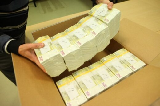 Euro notes delivered to Lithuania