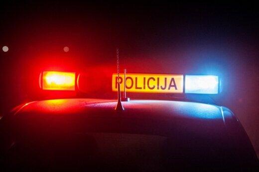 В Паневежисе утром пьяный водитель разбил три автомобиля