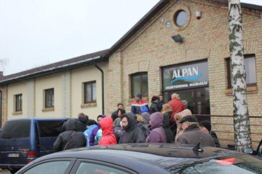 Литовцы организуют поездки за продуктами в Польшу