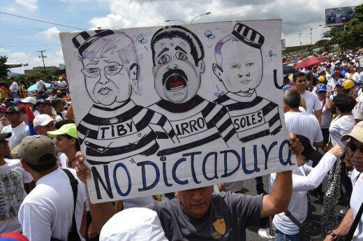 Venesuelos kasdienybė – suradikalėję protestuotojai, skurdas ir juodoji rinka