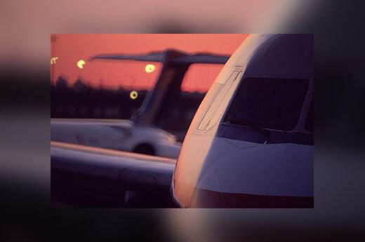 Lėktuvas, lėktuvai, oro uostas
