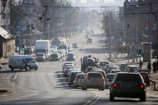 Gyventojai jau planuoja, kaip išsisuks nuo mokesčio už automobilį