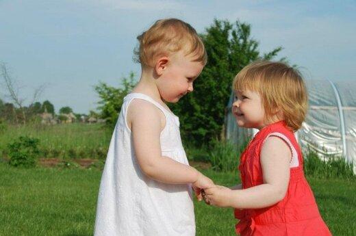 Dvejų metų mergaitė išgelbėjo šeimą nuo tragedijos