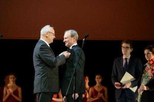 Dyrektor Litewskiego Teatru Opery i Baletu Gintautas Kevišas nagrodzony Krzyżem Oficerskim Orderu Zasługi Rzeczypospolitej Polskiej. Foto: Martynas Aleksa