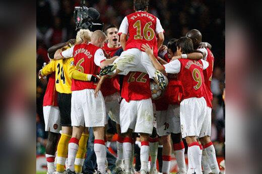 """""""Arsenal"""" futbolininkai džiaugiasi įvarčiu"""