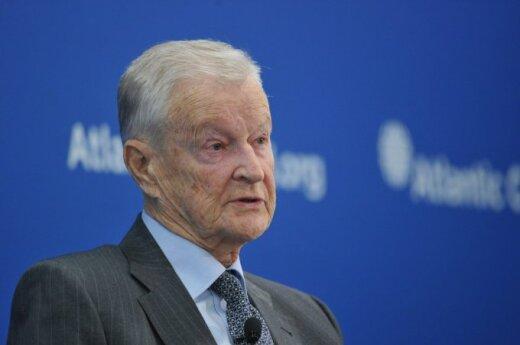 Бжезинский о своем кошмаре: однажды Путин захватит Ригу и Таллинн