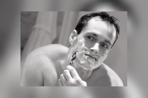 Vyras, barzda, skutimasis