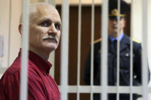 Bialiacki prosił Polskę, aby nie przekazywano informacji o jego kontach