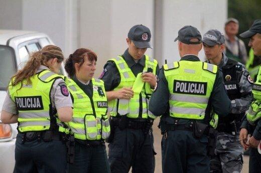 Agresyvų ligonį gelbėję medikai buvo priversti policijos laukti 1,5 val.