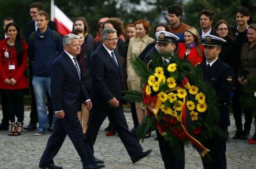 President Joachim Gauck of Germany and President Bronislaw Komorowski of Poland commemorate the start of World War Two