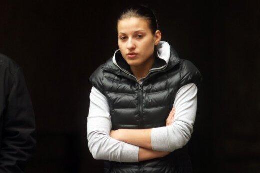 Задержана девушка, купившая коноплю у грозившего подорвать себя каунасца