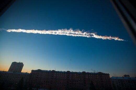 Версии множатся: метеорит над Челябинском сбила летающая тарелка