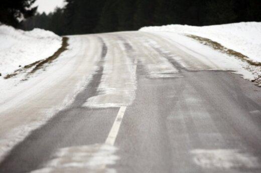 На части дорог Литвы – сложные условия
