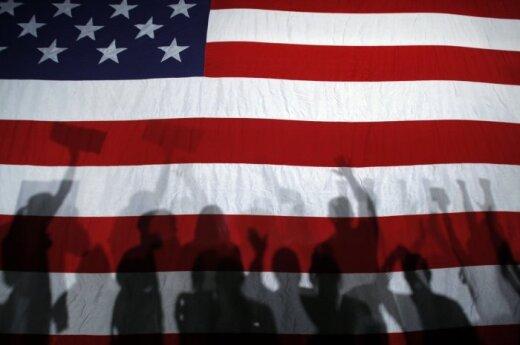 """Amerikietiškos meilės kaina – giminaičių pyktis dėl """"išduotos tėvynės"""""""