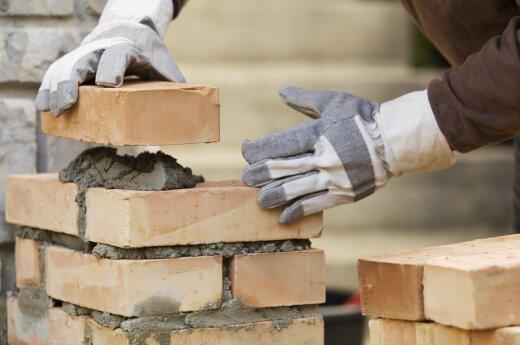 Prastos naujienos planuojantiems statybas: brangs medžiagos