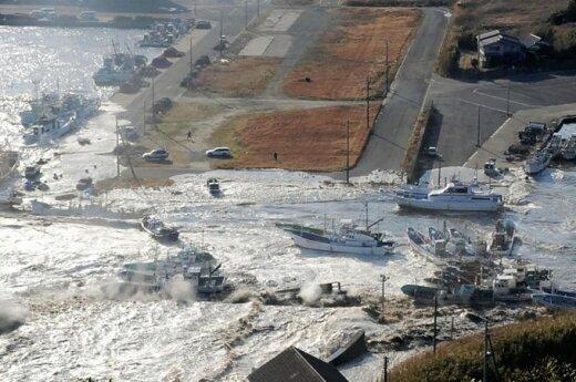 Po naujo žemės drebėjimo Japonijoje - nedidelis cunamis