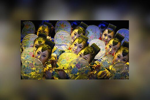 Kinijos šokėjos Sinėjuje.