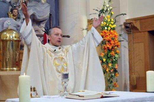 Emerytura dla duchownych wzrośnie trzykrotnie?