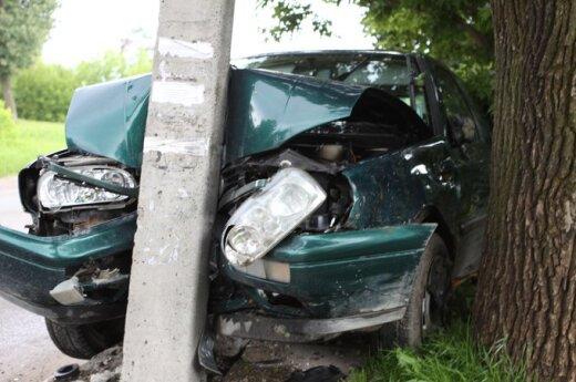 За неделю на дорогах страны погибли 6, пострадали 100 человек