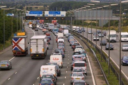 Transporto spūstys Anglijoje
