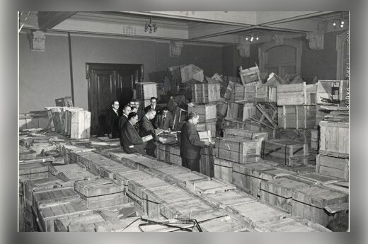 Parts of YIVO archives discovered by US army in Frankfurt