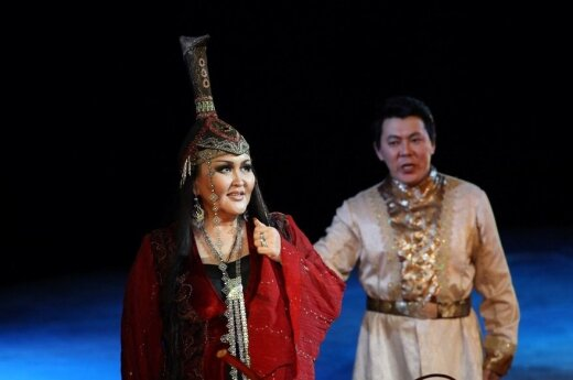 Aitalina Adamova ir Nikolajus Popovas