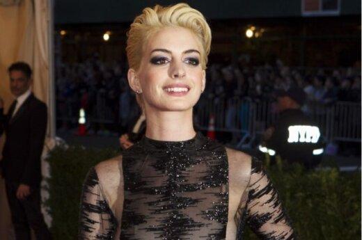 Anne Hathaway blondynką