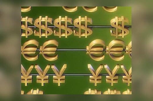 В Беларуси лихорадочно скупают валюту и продовольствие