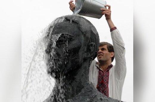 Grigorijaus Skovoroda skulptūra