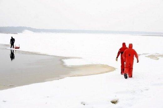 Со льдин в Рижском заливе спасли 233 человека