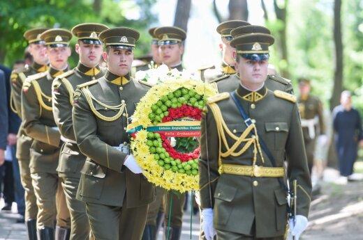 Antakalnio kapinėse atidengtas monumentas žuvusiems už Lietuvos laisvę