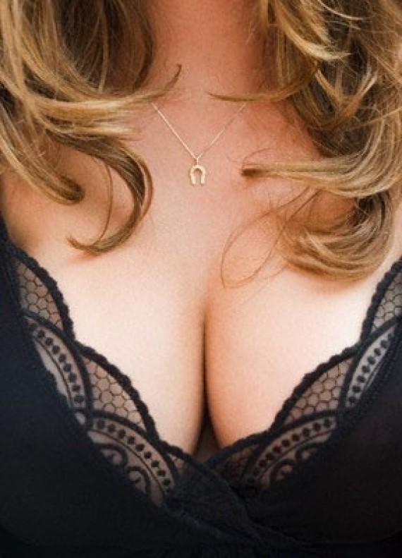 Жіночі груди фото
