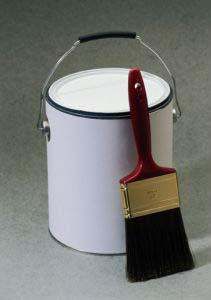 Масляные краски бывают матовыми и глянцевыми, их цветовой диапазон совпадает с...
