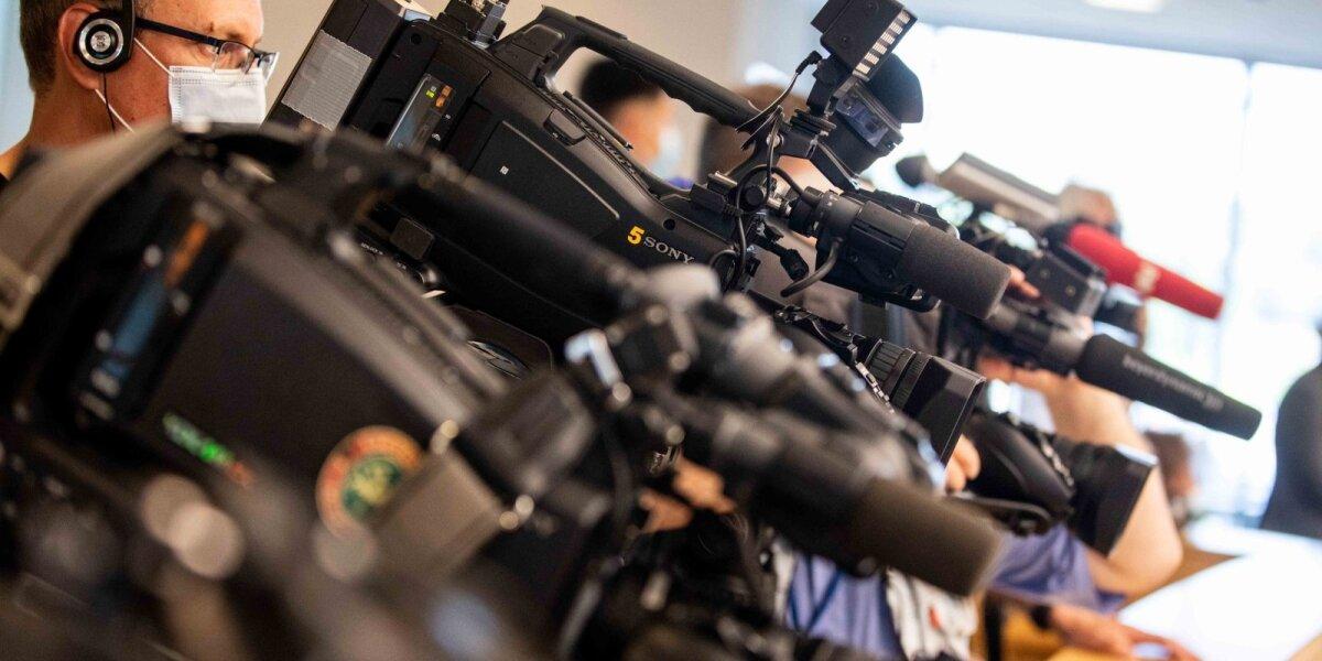 Už trukdymą žurnalistams rinkti informaciją siūloma bausti iki 140 eurų