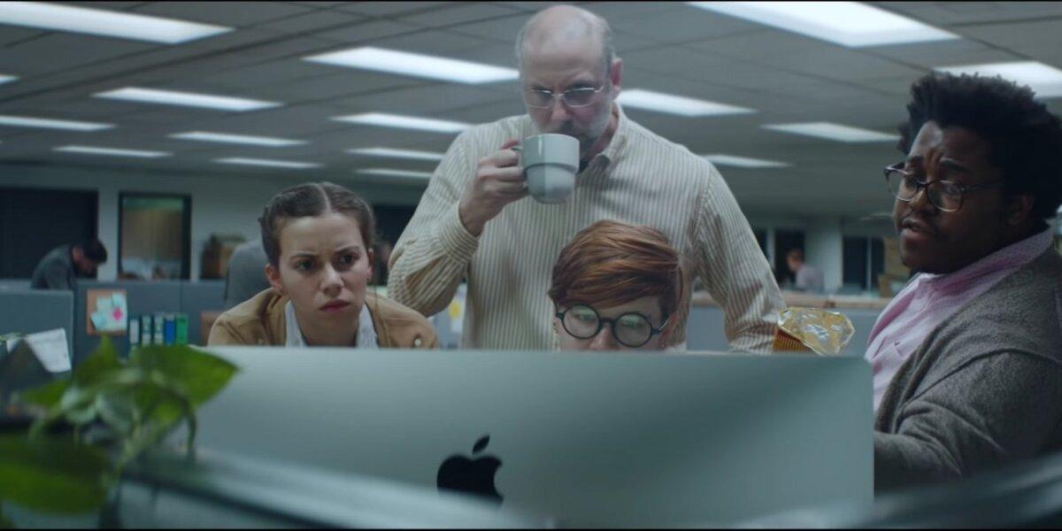"""Nauja """"Apple"""" reklama pranoksta daugybę komedijų"""