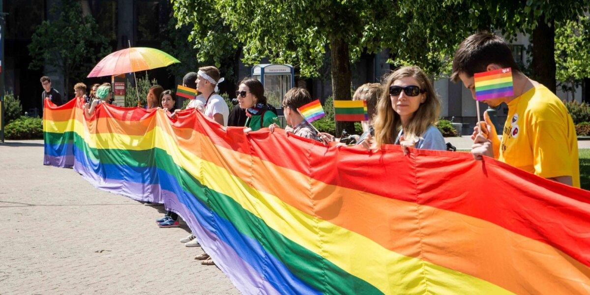 """Žurnale """"Žmonės"""" 10 Lietuvos prekės ženklų išreiškė palaikymą LGBT bendruomenei"""