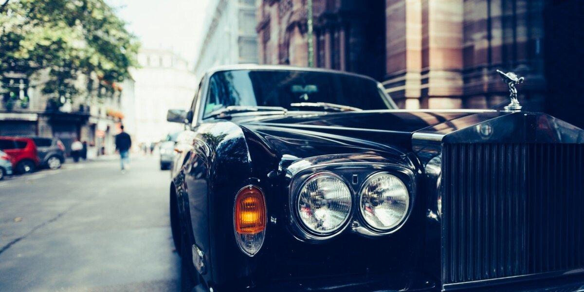 """""""Rolls-Royce"""": turtuolis, vargšas ir kokybės etalonas"""