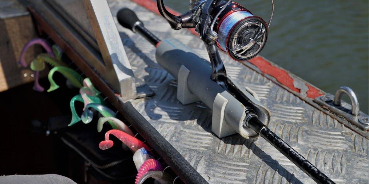 Ešerių sterkų žūklei Kuršių mariose paruošti įrankiai ir masalai