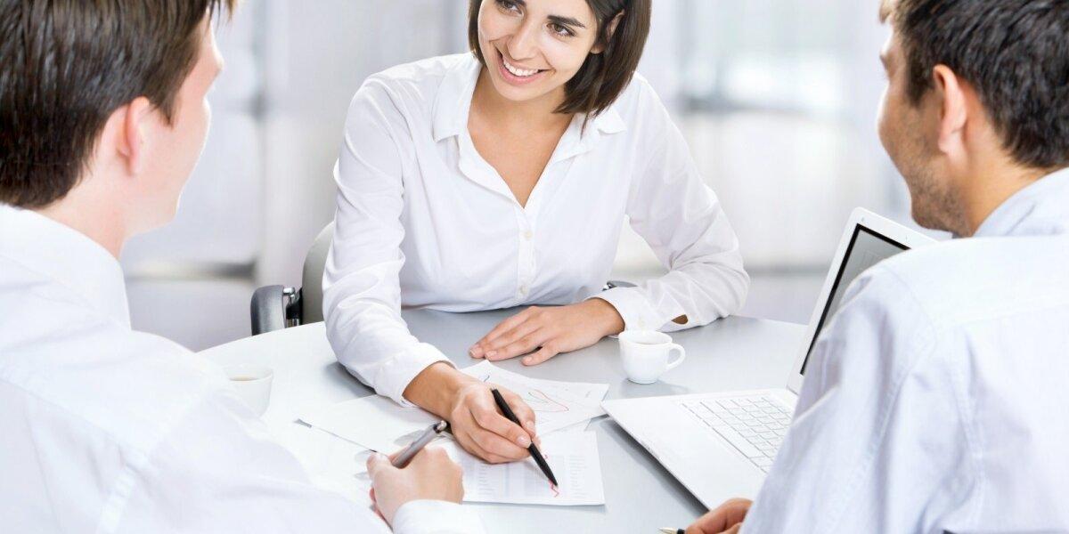 """""""Associates"""" žengia žingsnį į Baltijos šalis – pasiektas susitarimas su """"HR Factory"""""""